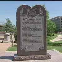 img-State-lawmakers-file-amendment-to-allow-10-Commandments-monument-on-state-grounds